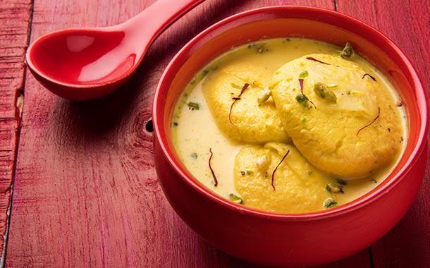 تعد الحلويات البنغالية من أهم الوجبات الرئيسية في المطبخ الهندي والبنغالي  معاً حيث أنها لا تعتبر مجرد تحلية بعد الوجبة الرئيسية بل تحتسب علي أنها من  الوجبات ...